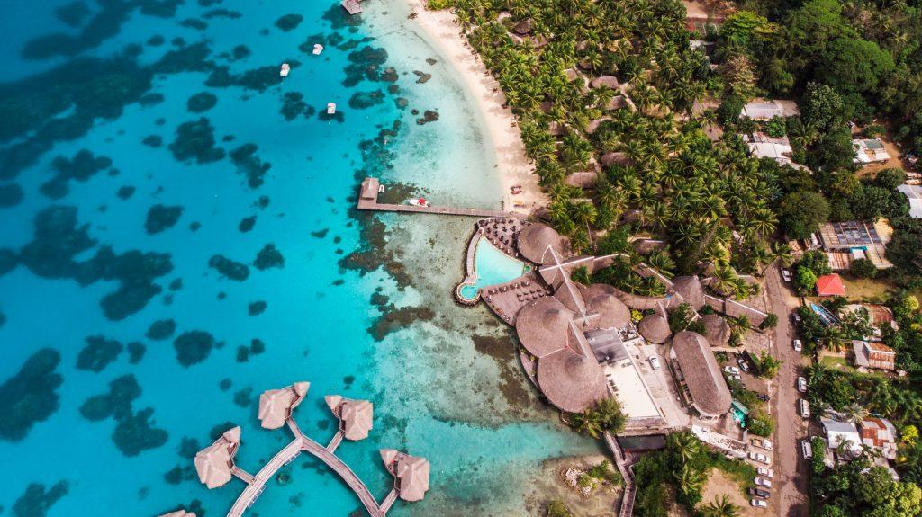 imagine drona Bora Bora