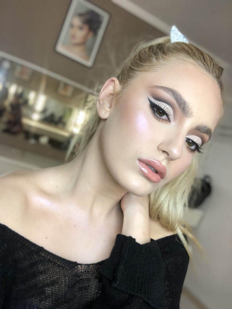makeup adina trohin